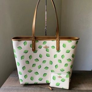 💚 Authentic Coach Lime Tote & Wallet NWT 💚